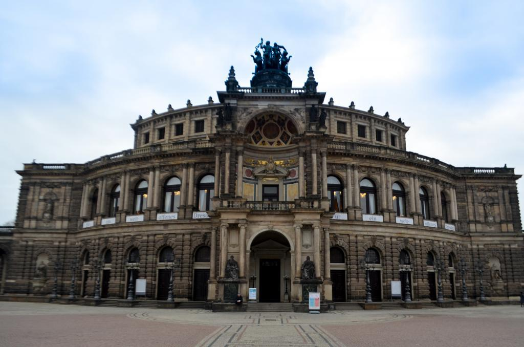 Things to do in Dresden Germany opera house