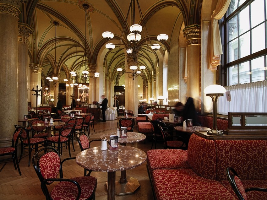 winter in vienna cafe central