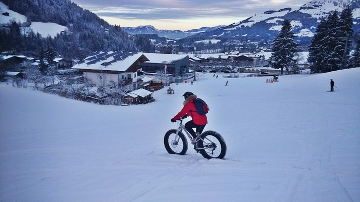 Fat-bike-in-st-johann-in-tirol-austria-veronika-tomanova-via-veronikasadventure (3)