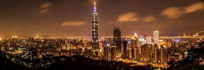 Taipei-101-from-elephant-mountain-10-reasons-visit-taiwan-martin-kaalund-pedersen-veronikasadventure-com