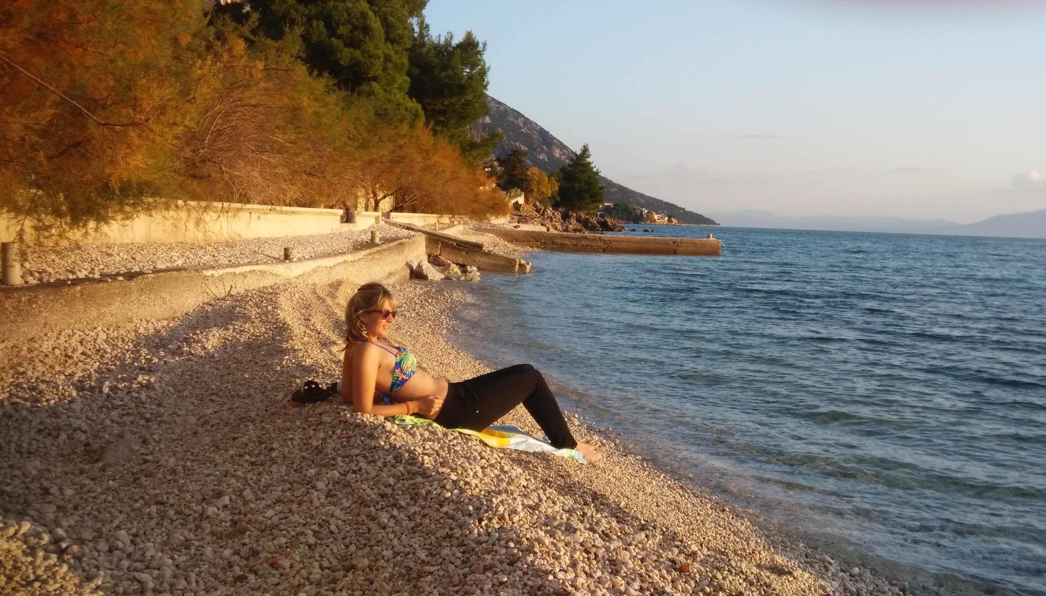 croatia-in-winter-beach-in-Makarska