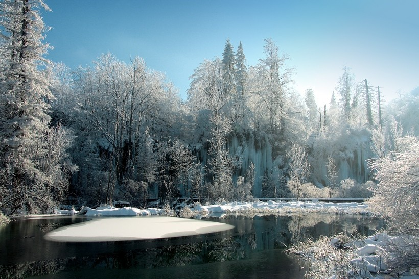 croatia-in-winter-plitvice-national-park